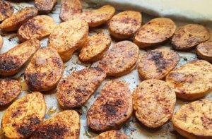 תפוחי אדמה פריכים אפויים בתנור